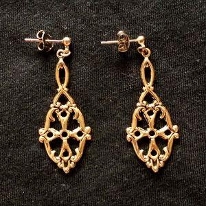 💥3/$20💥 Dainty Golden Cross Earrings